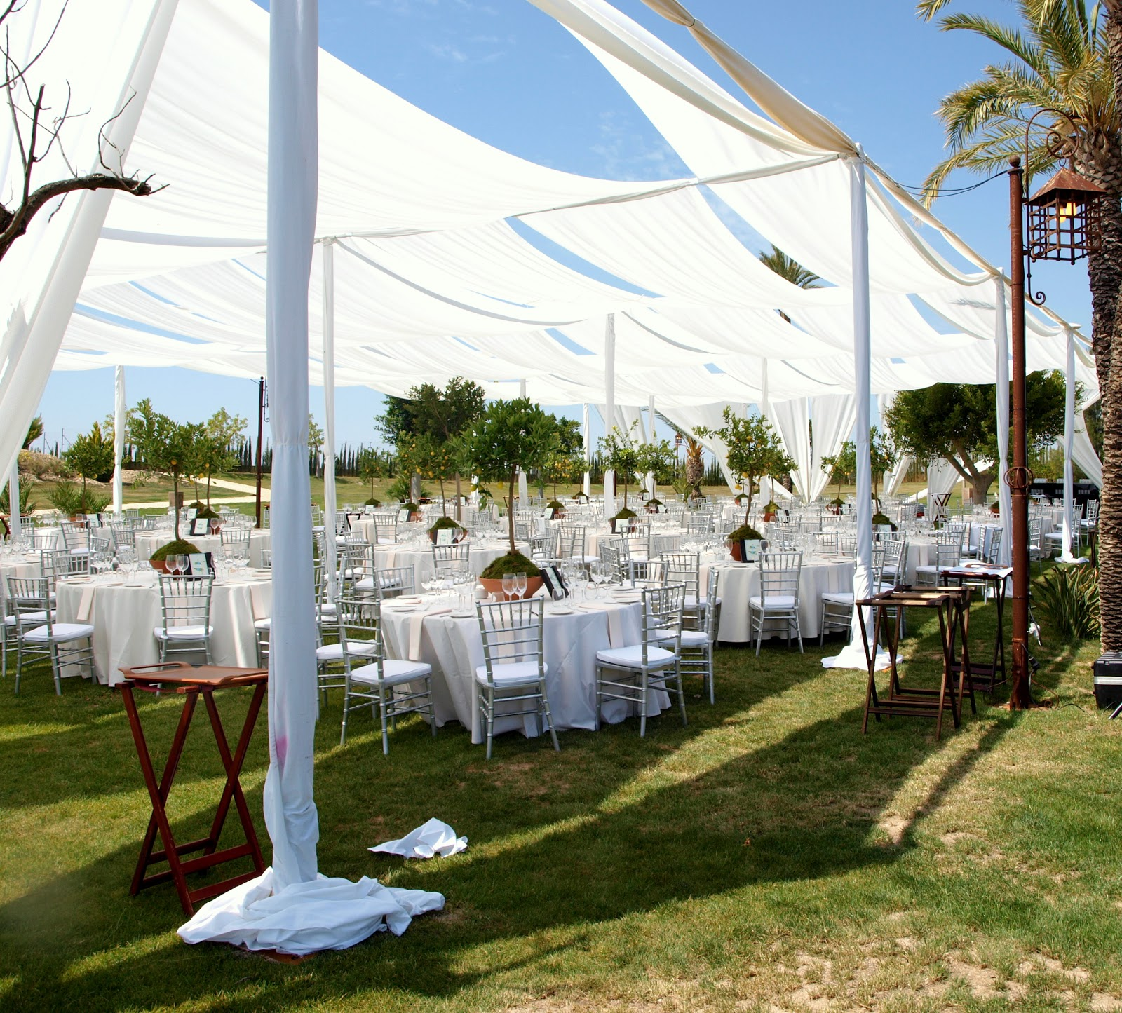 Valisse una soluci n diferente para tu evento al aire for Tela geotextil para jardines