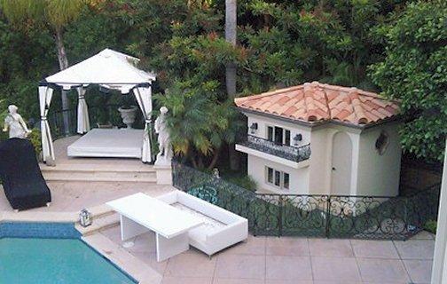 Luxury Dog Houses hydrangea hill cottage: luxury dog houses