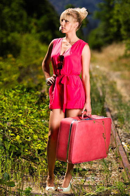 Dale+Steliga+Romper+trend+vintage+suitcase