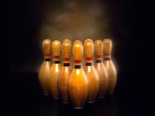 Bowling Pins HD Wallpaper