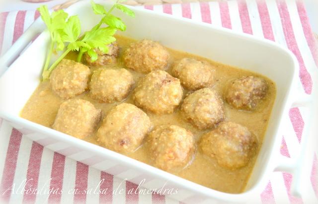 Albóndigas en salsa de almendras casera. Fácil, sencilla y deliciosa.