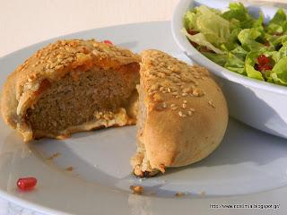 Mπιφτέκι κρυμμένο σε…φύλλο!-A burger hidden in phyllo!