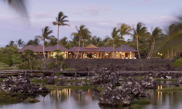 Tropical Classic Hawaiian Cloister House