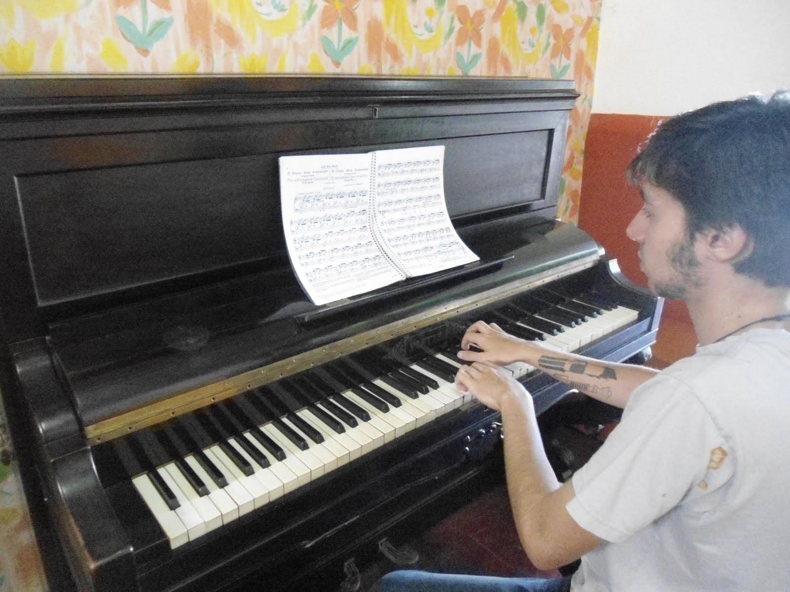 Aulas der Piano com Professor Paulo Henrique