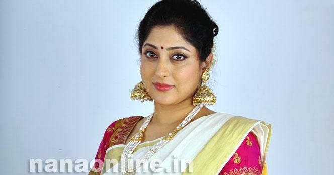 Lakshmi Gopalaswami: Lakshmi Gopalaswami Latest Hot Photos In Saree « Mallufun.com