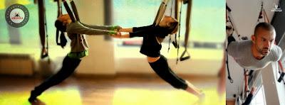 yoga aereo con Rafael Martinez y estudiantes Album Diploma Profesores de AeroYoga® y AeroPilates® en Madrid.