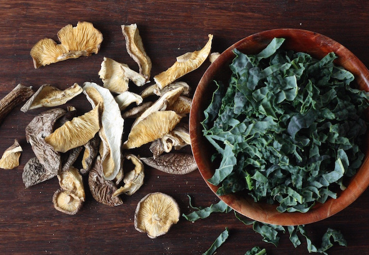 dried shiitake mushrooms & kale for soba noodle soup