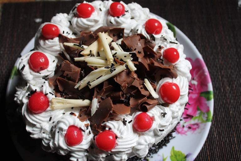 Best Black Forest Cake Images : Best Black Forest Cake Recipe Ever - Yummy Tummy