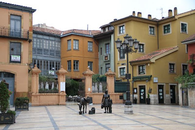 Plaza Trascorrales. Oviedo. Blog Esteban Capdevila