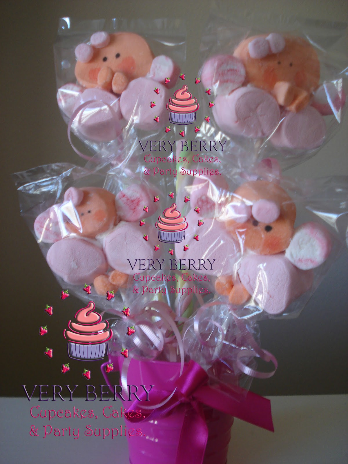 veryberry cupcakes angel marshmallow pops center pieces