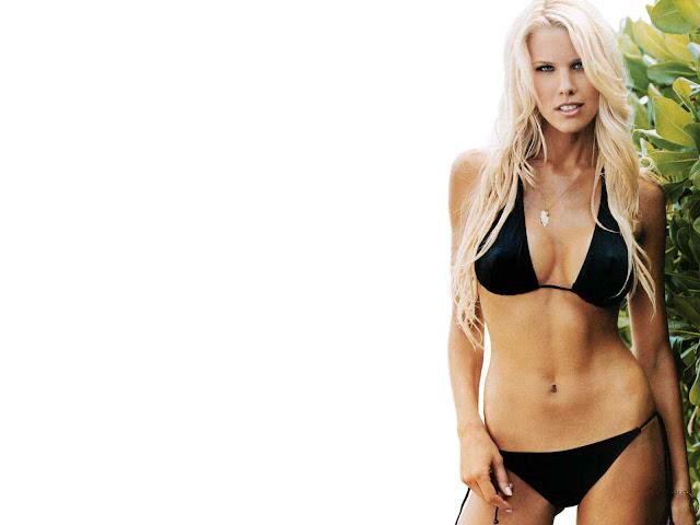 Beth Ostrosky Stern sexy in black bikini
