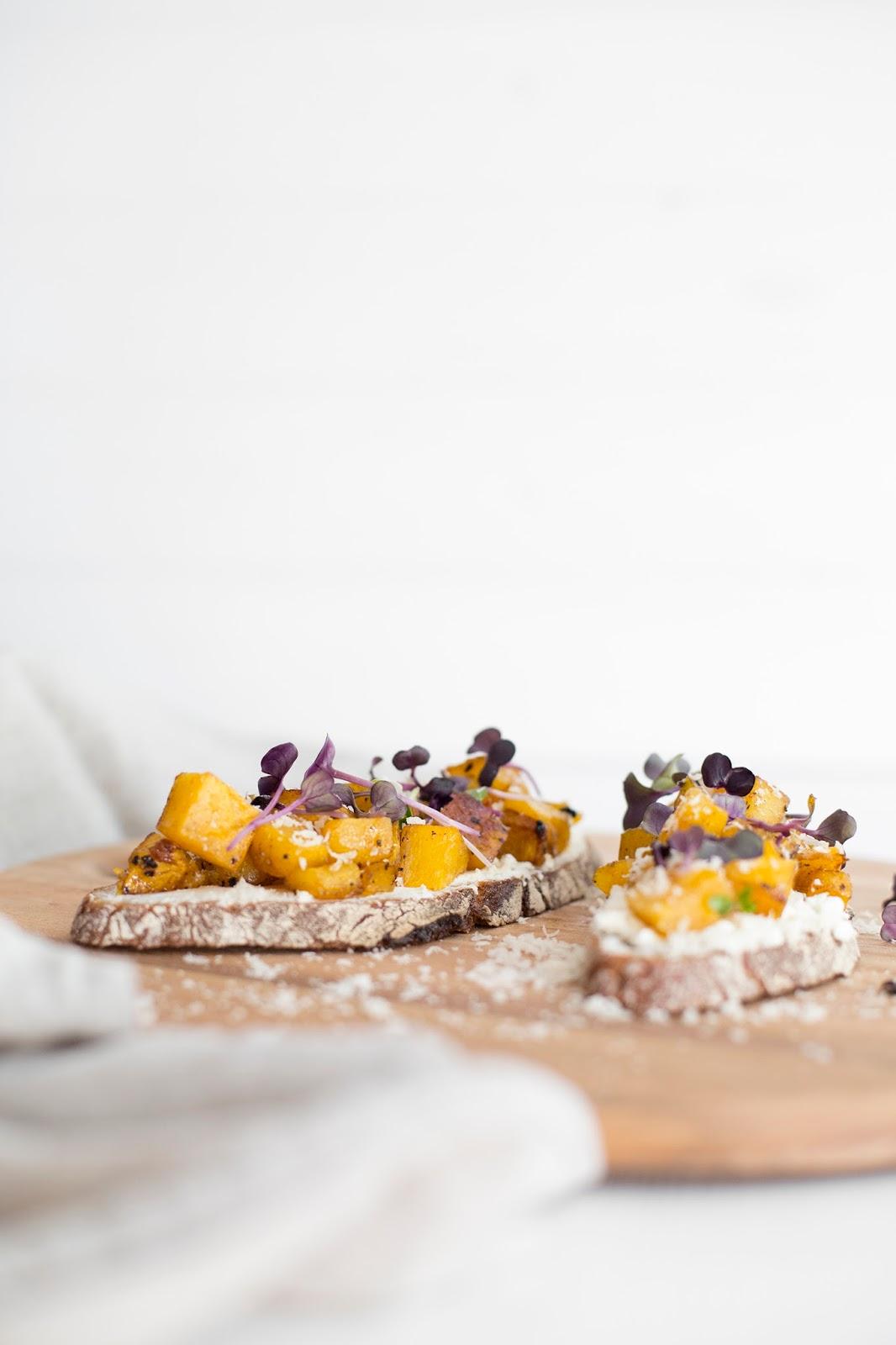 Salty Bread mit Butternut-Kürbis und Radieschenkresse