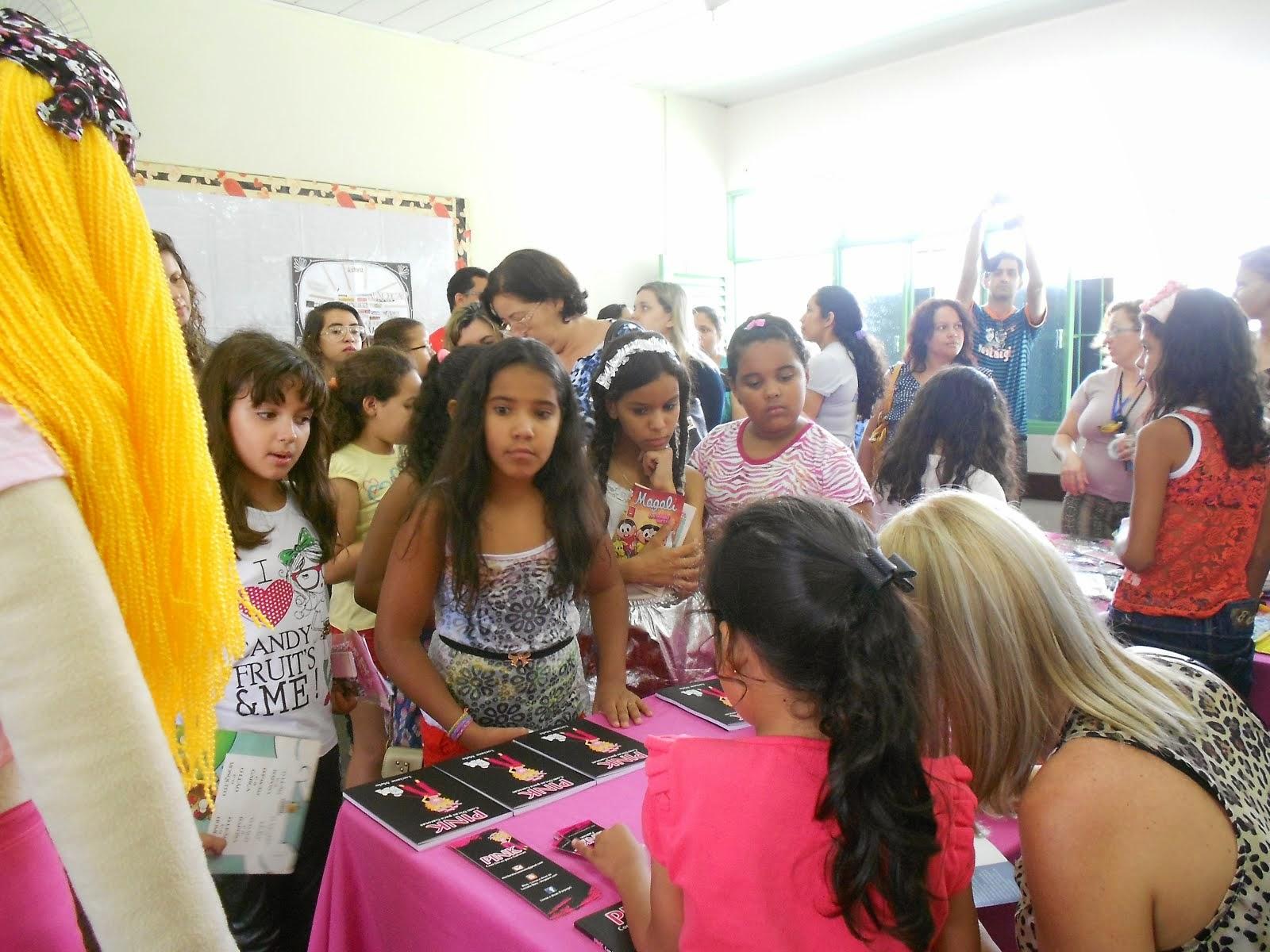 Livros e Dicas de Luciane Melo - Facebook