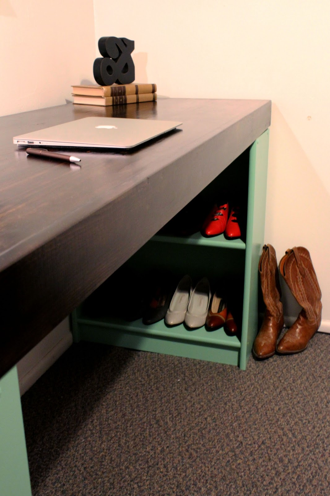 Make your own desk with old bookshelves