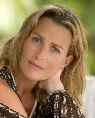 Whom You Know: MOVER AND SHAKER INDIA HICKS ISLAND LIVING LUXURY