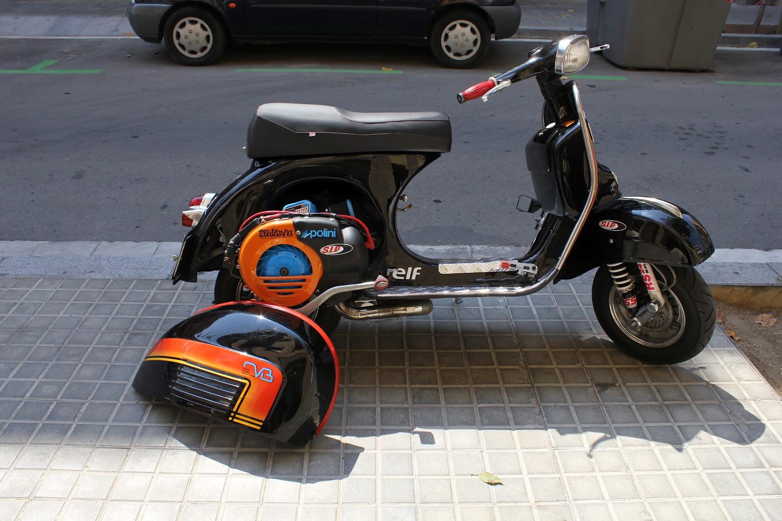 Tapizar asiento moto en barcelona septiembre 2012 for Tapizar asiento moto madrid