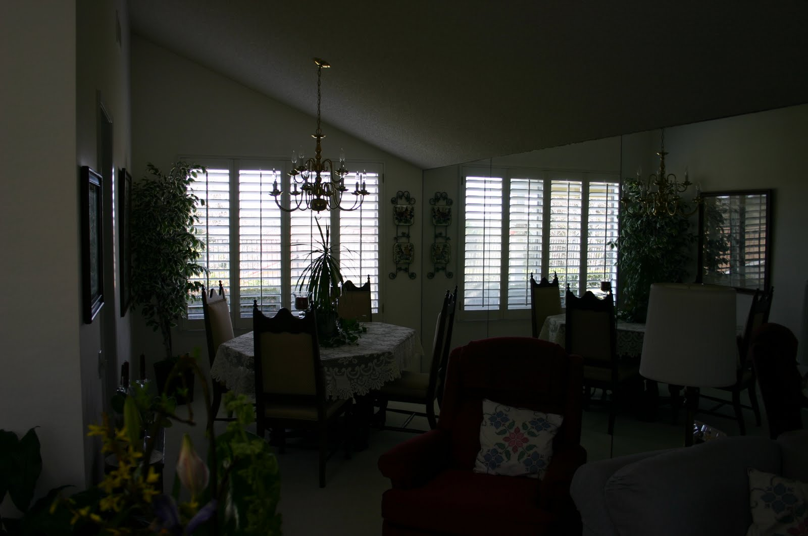 before: dining room and long mirrored wall title=