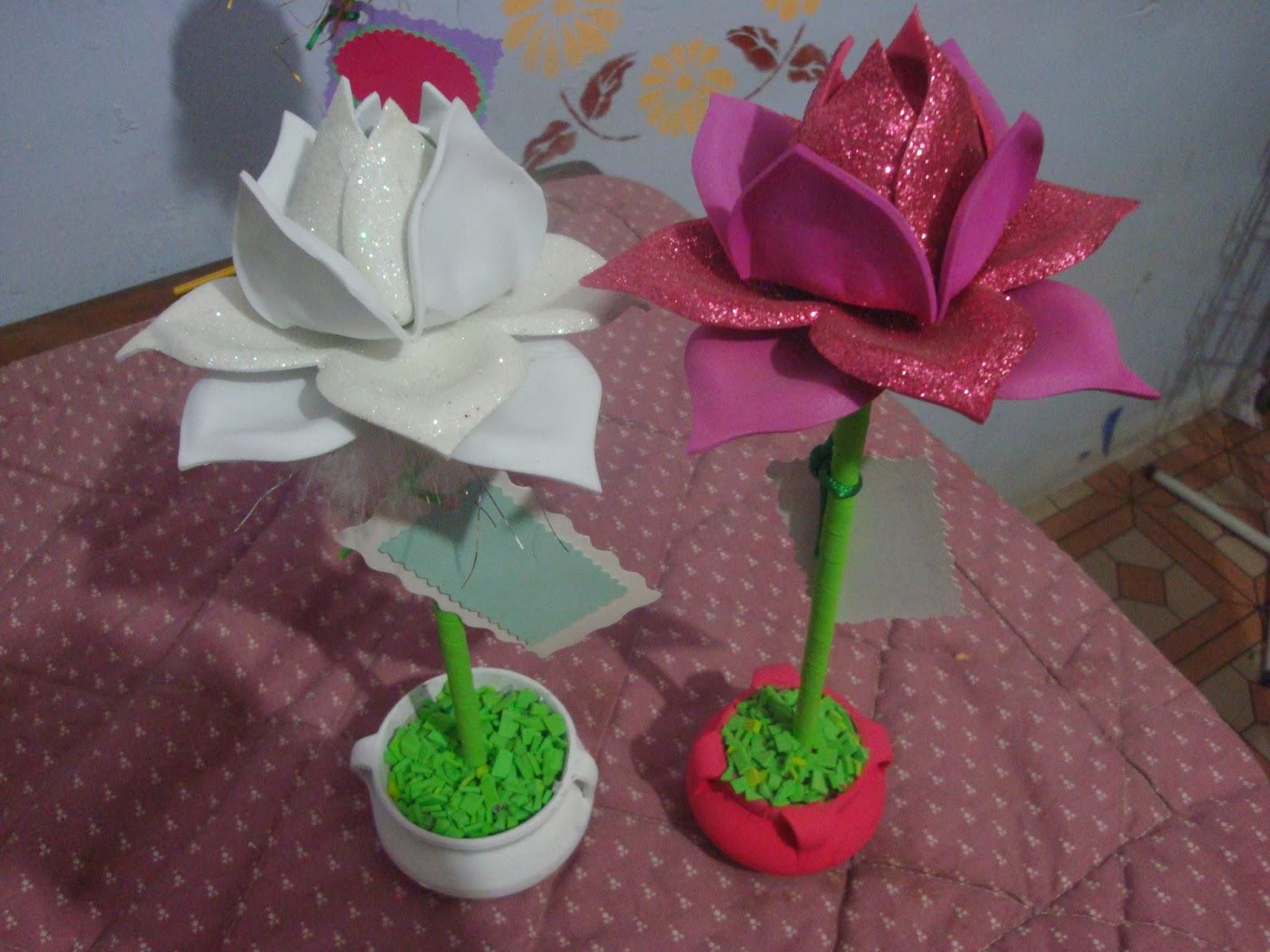 Taller wasiypi rosas y topiarios en goma eva - Flores con goma eva ...