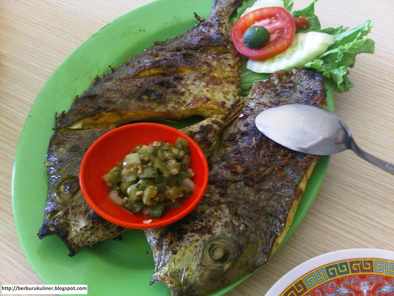 Berburu Kuliner 2012 Keripik Ubi By 3 Dara Pgp Ada Ikan Bakar Kuwe Dengan Harga Rp 15000 Per Onns Kerang Rebus 12000 Porsi Udang Pancet