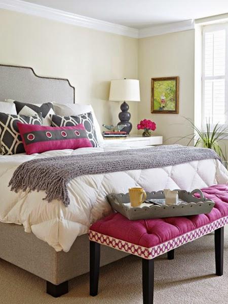 Kolor purpurowy w sypialni