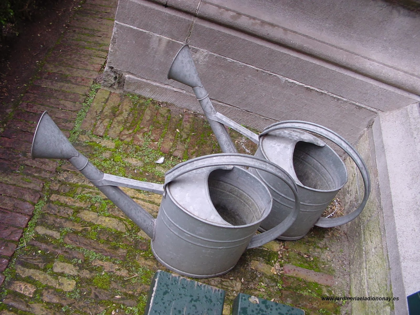 Jardineria eladio nonay accesorios decorativos para for Objetos de jardineria