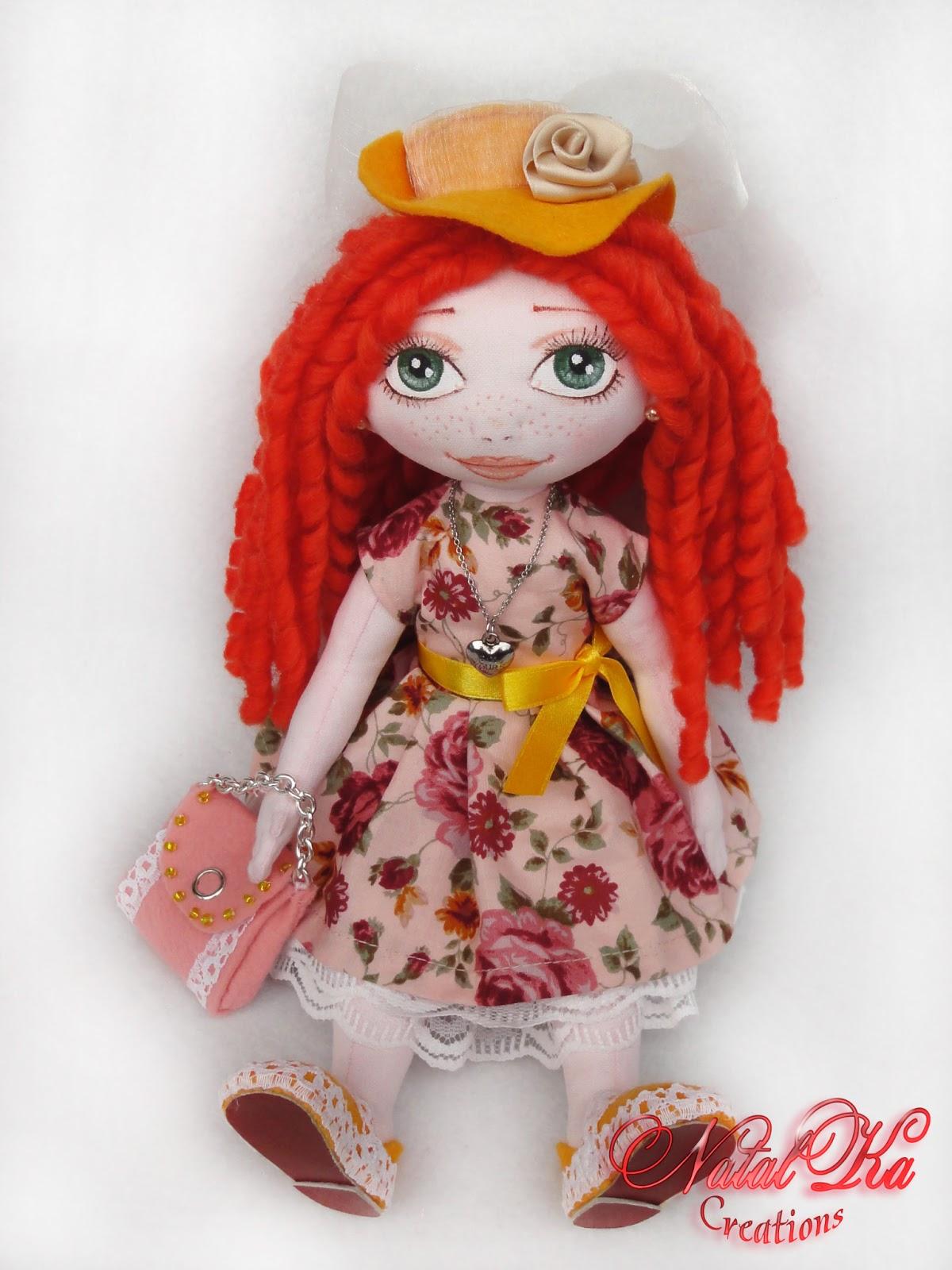 Handgemachte Stoffpuppe von NatalKa Creations. Cloth art doll handmade by NatalKa Creations