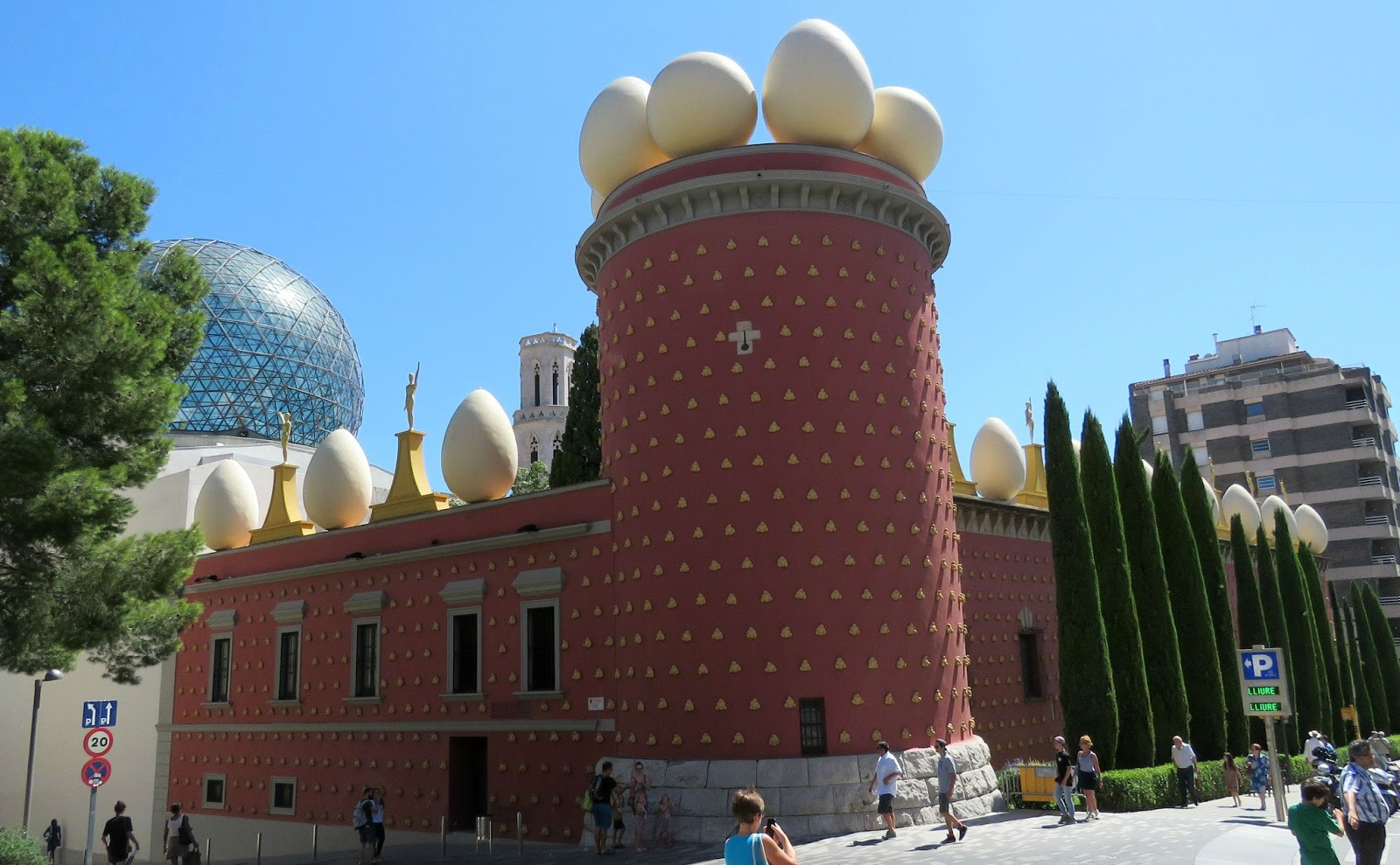 Costa Brava Knitting: The Dalí Theatre Museum, Figueres ...