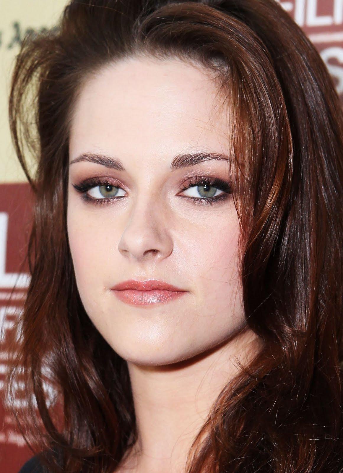 Twilighters Por Siempre: ¿Quieres maquillarte como Kristen Stewart?