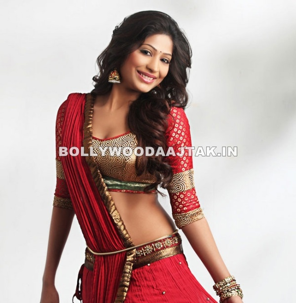 Vijayalakshmi Agathiyan Shows off her gorgeous body in a red traditional outfit - (3) -  Vijayalakshmi Agathiyan Hot Pics