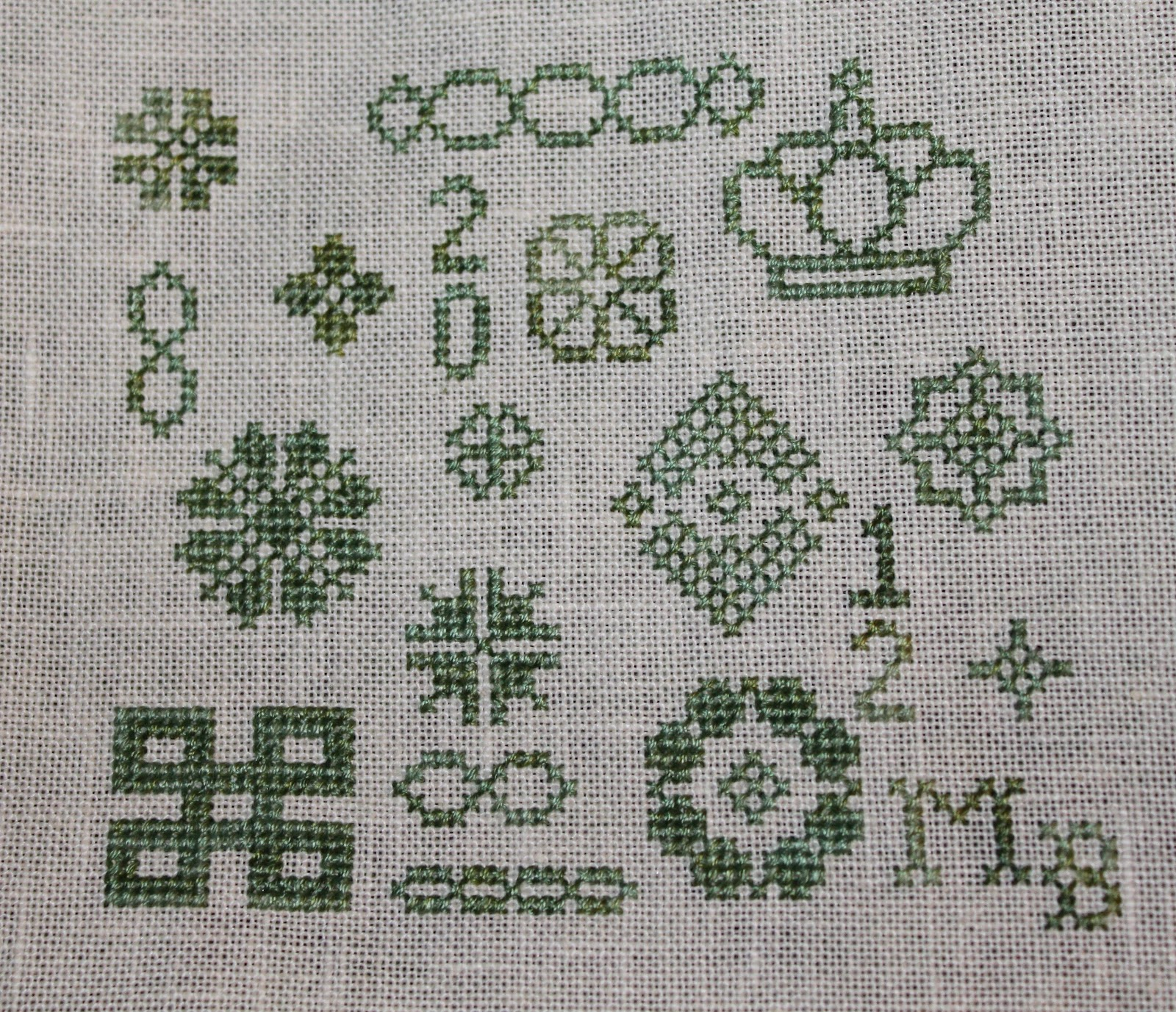 Knitting Cross Stitch Pattern : Celtic Heart Knitting and Quilting: Cross Stitch Pouch