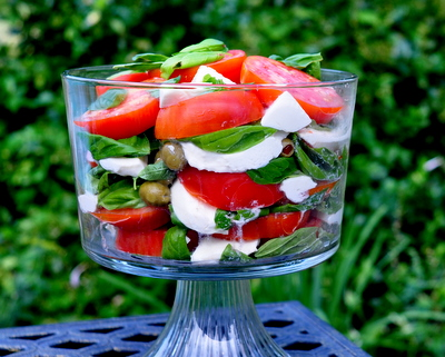 Tomatoes & Fresh Mozzarella for a Crowd @ KitchenParade.com, another Pretty Way to Serve Tomatoes @ AVeggieVenture.com