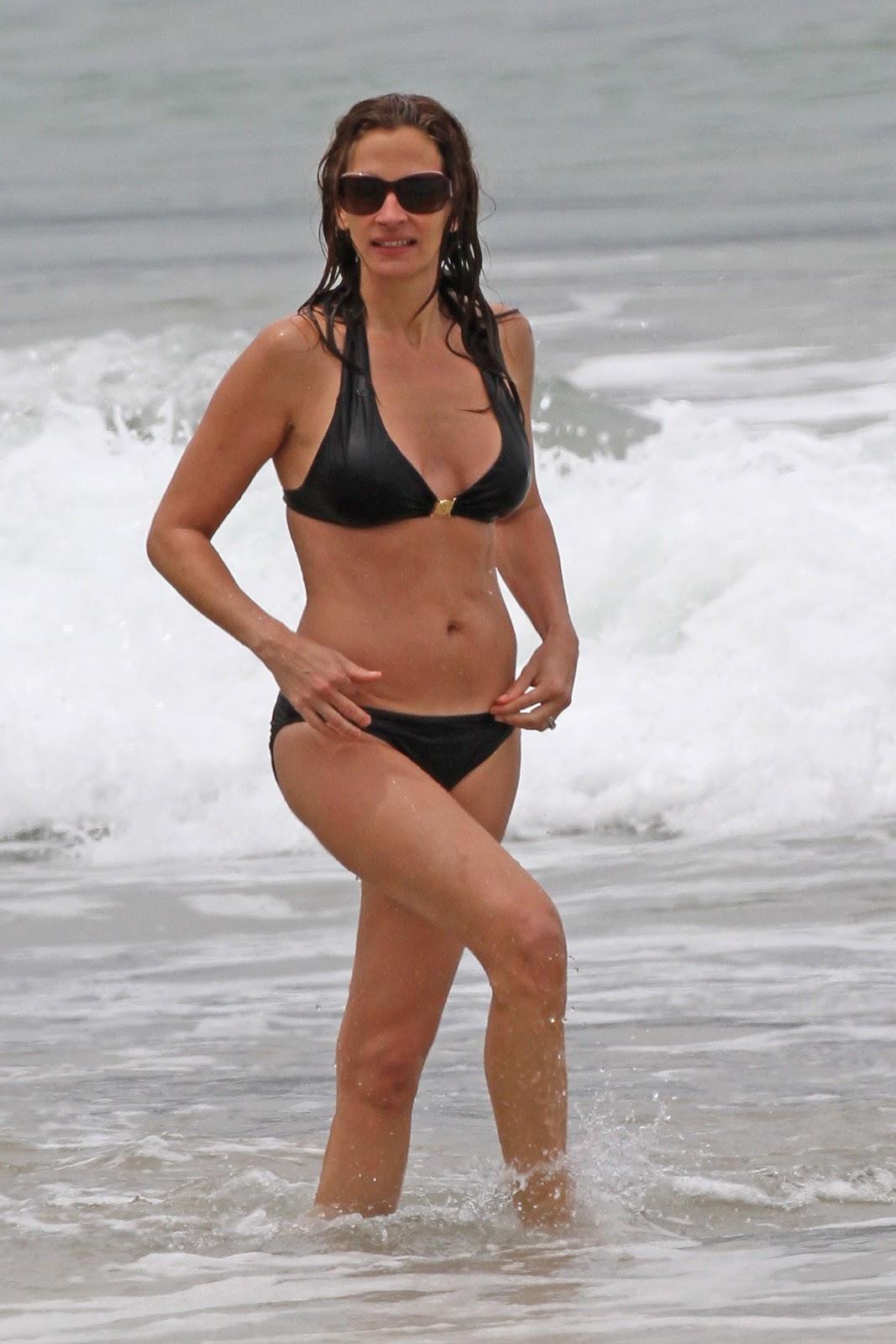 http://3.bp.blogspot.com/-EgEXKdXFHps/T8DuR3L-GqI/AAAAAAAAHJw/d9JKBhjy-I4/s1600/+Julia+Roberts+-+Bikini+candids+Hawaii+%288%29.jpg