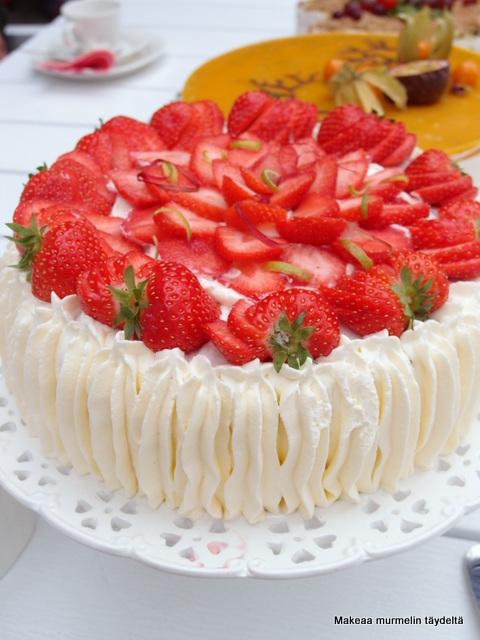 raparperi mansikka kakku