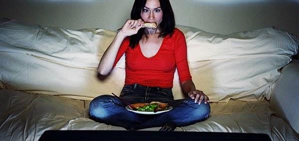 Dampak Negatif Makan Terlalu Malam