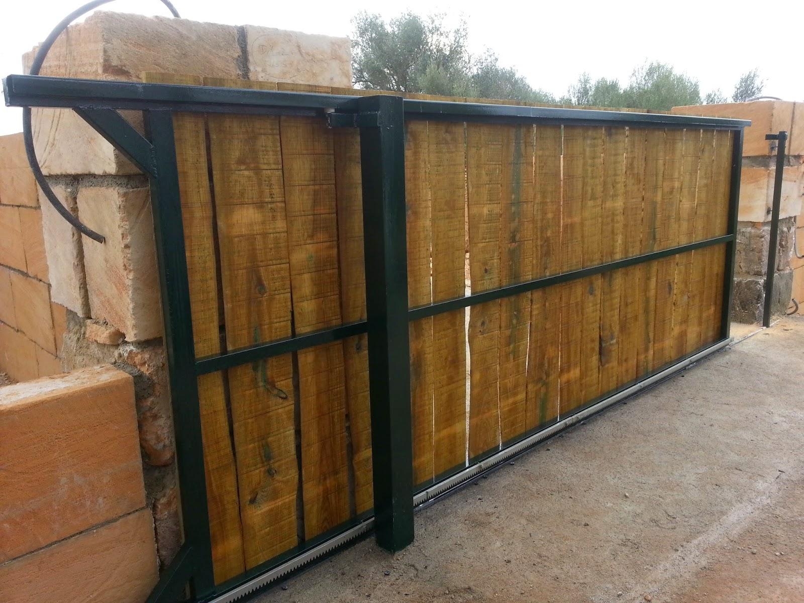 puertas correderas de hierro revestidas de madera para