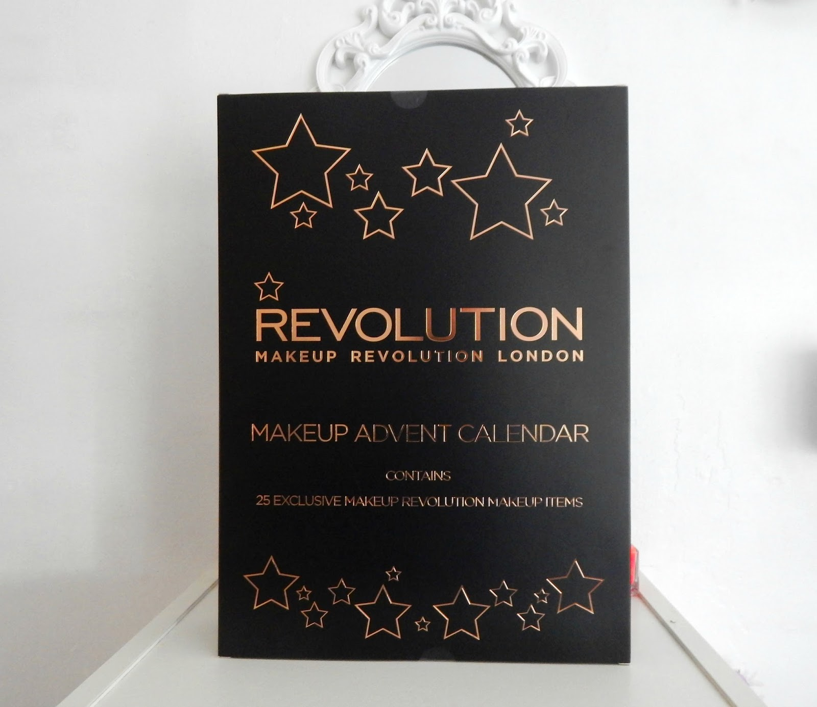 Makeup revolution advent calendar 2015 what lauren did today and more specifically an advent calendar that i actually bought for myself wow much adult solutioingenieria Image collections