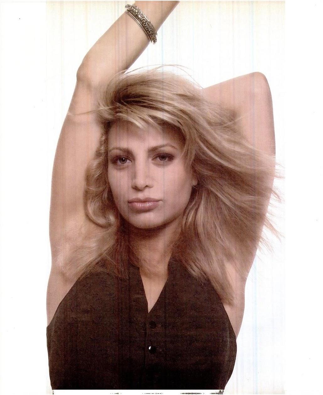 Taylor Dayne Nude Photos 35