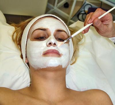 3 Alternatif Masker Pembersih Wajah dari Bahan Alami yang Mudah Didapatkan