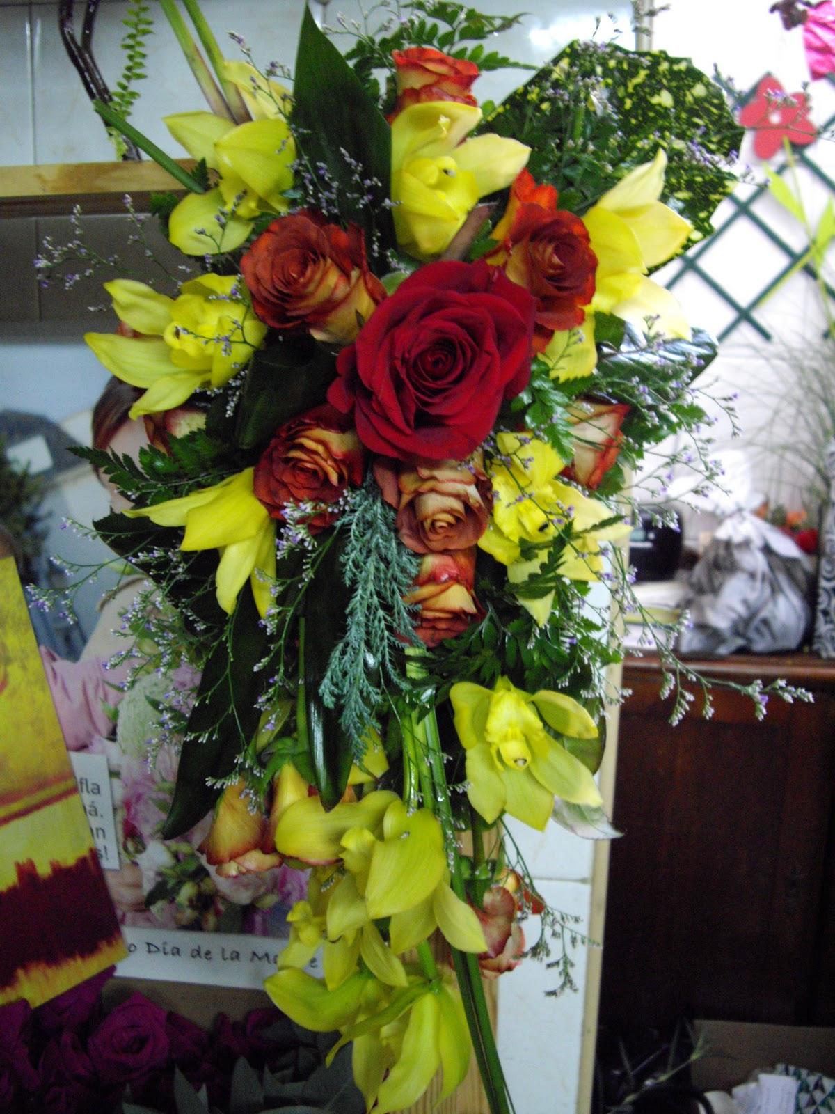 Centro de flores para capilla panteon Floristería Mouguet - Imagenes De Centros De Flores Para Cementerio