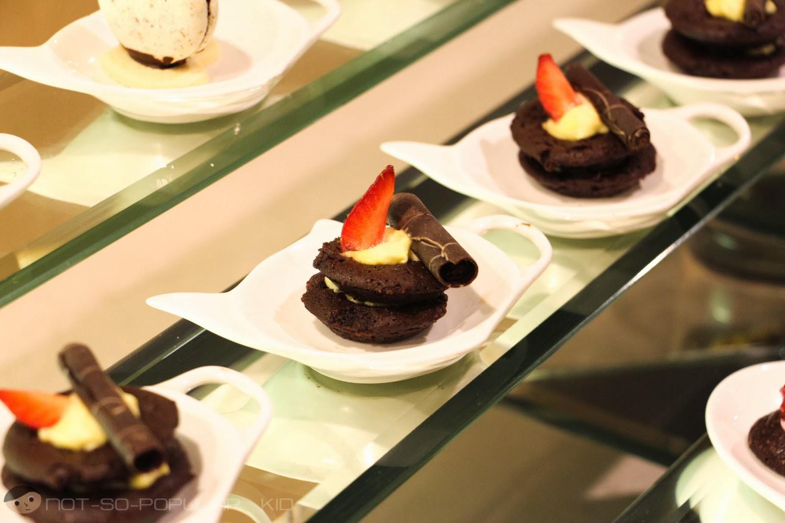 Midas Hotel Desserts Photo