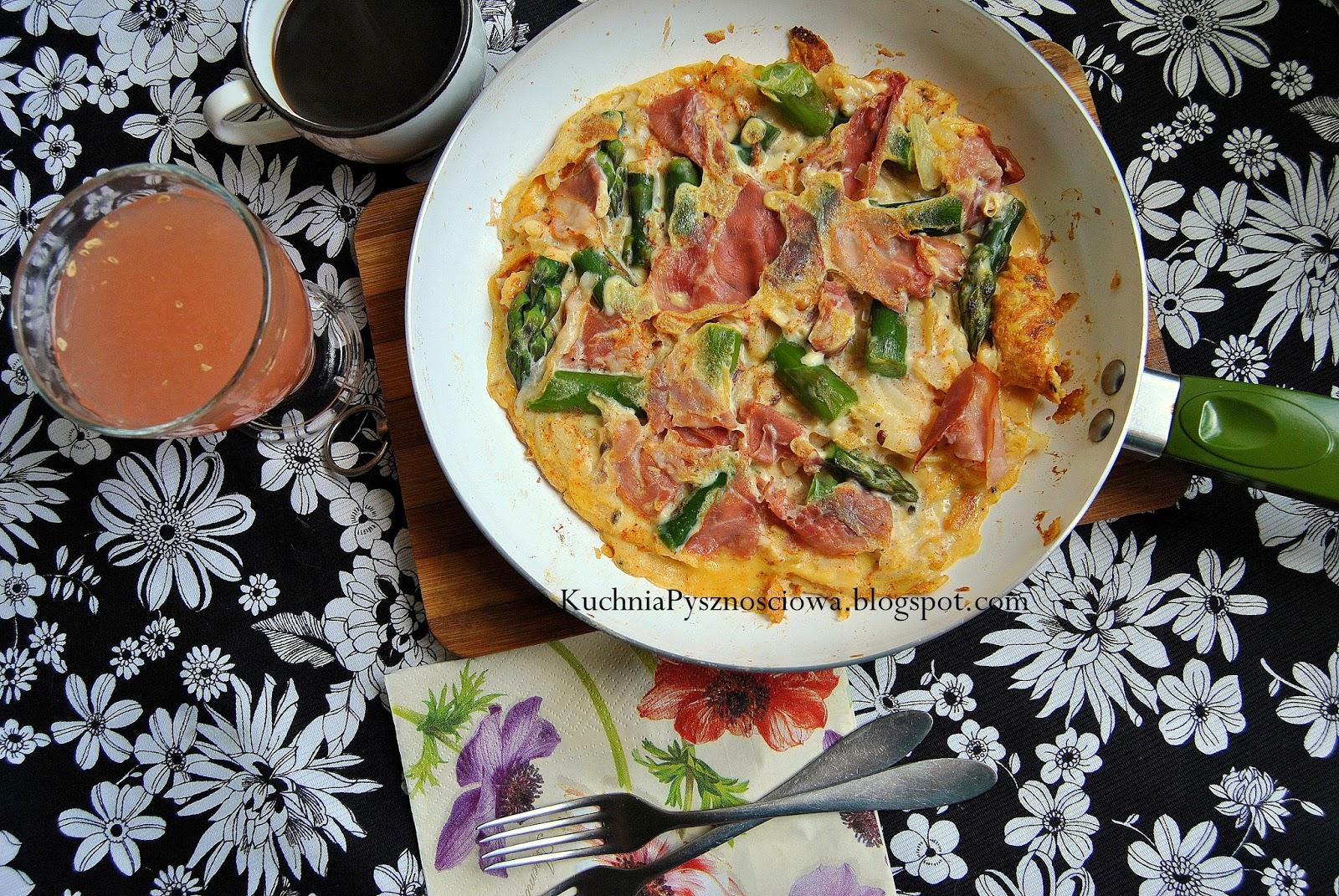 225. Omlet ze szparagami i szynką parmeńską na ciężki poranek