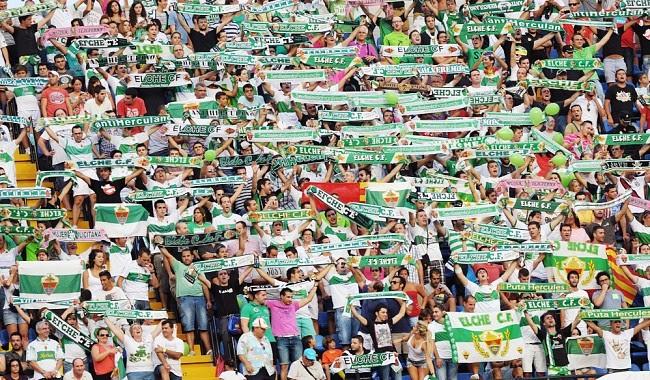 La afición del Elche debe ser clave para ganar unos puntos a un rival por la permanencia, el Córdoba.