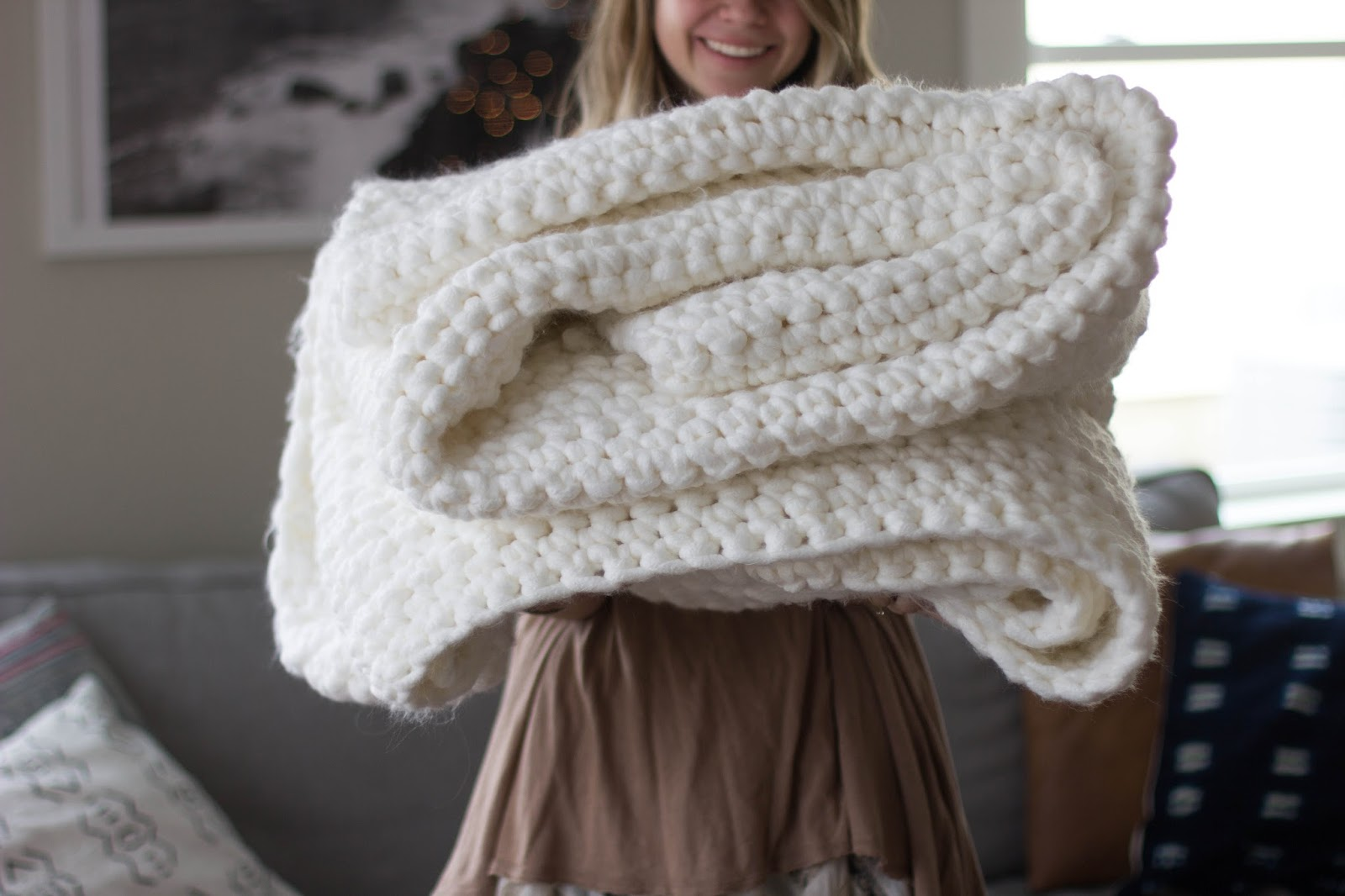 Crochet Patterns Large Hook : As you can see, it is rather large and chunky and just all around cozy ...