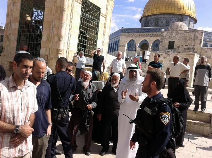 Abu Pessoptimist Israel Verbiedt Groepen Die De Aqsa