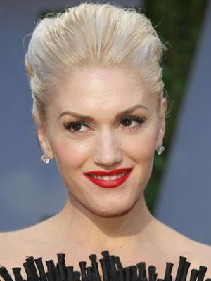 Gwen Stefani rocks a retro pompadour poof.