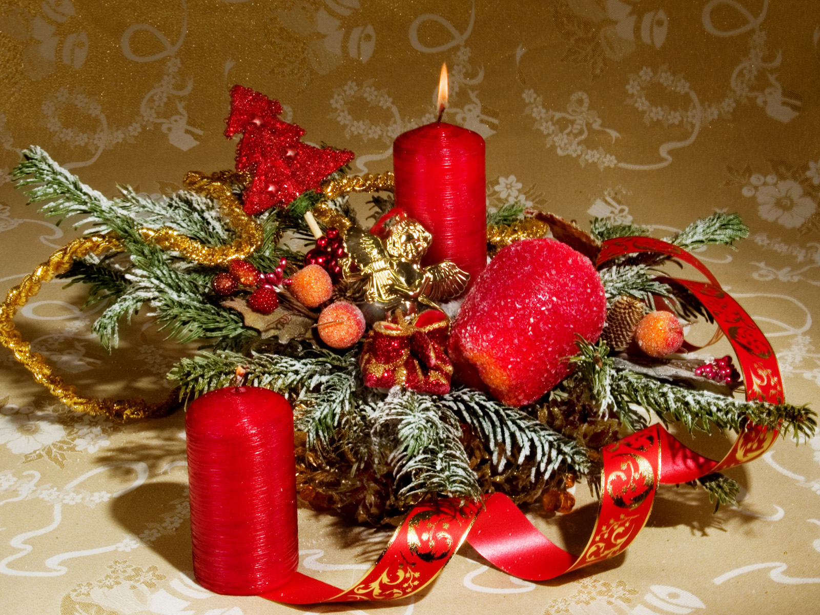 Free games wallpapers christmas candle wallpapers for 7 candle christmas decoration