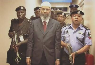subhanallah, tidak takut diancam dr.zakir naik tetap lanjutkan tour dakwahnya ke pelosok afrika