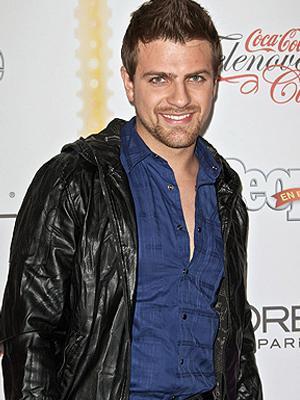 Pablo Azar con casaca de cuero negro