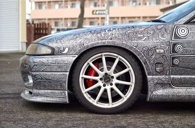 Cool Car tuning their Hands