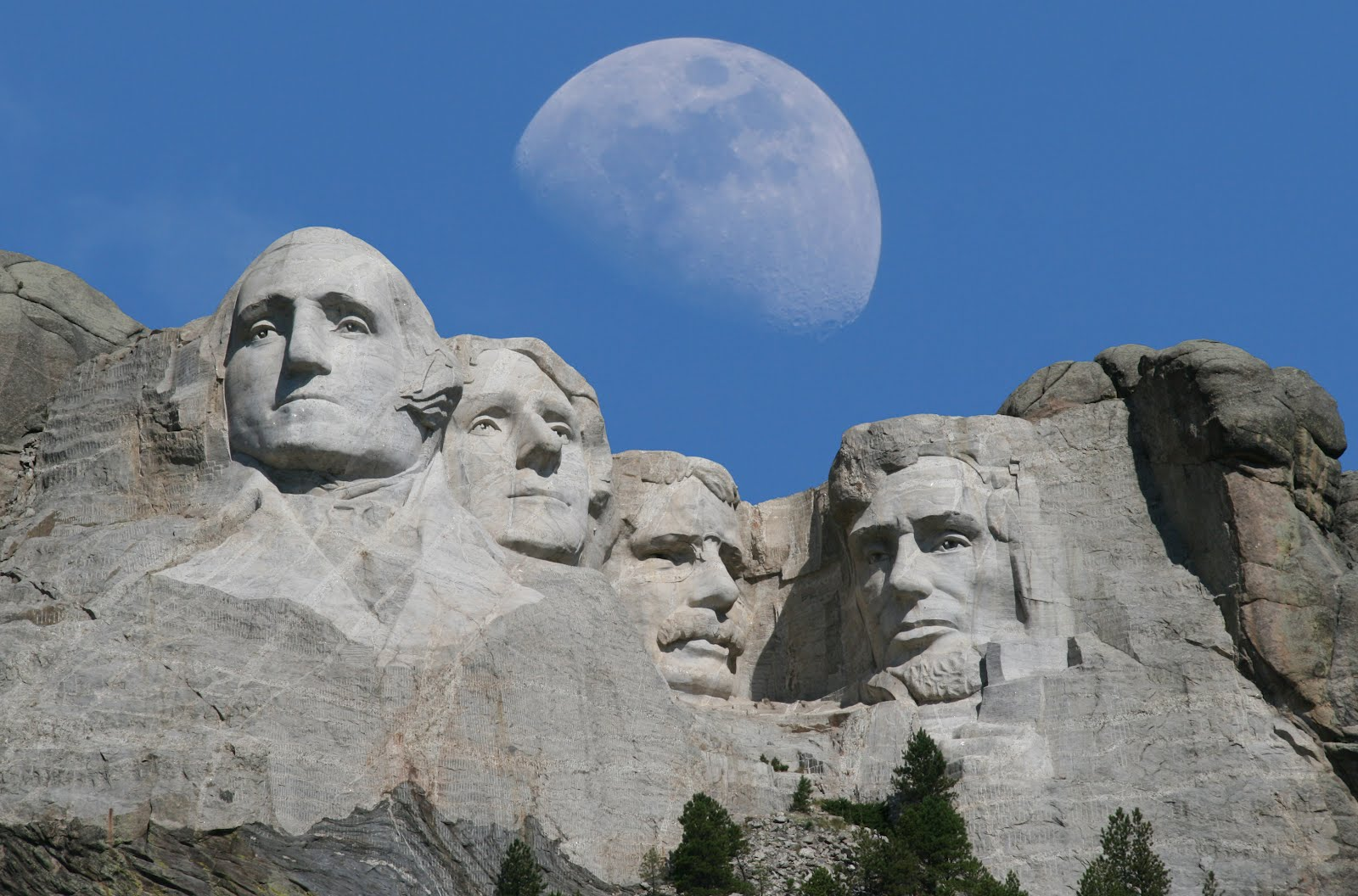 Mount Rushmore in Pict...